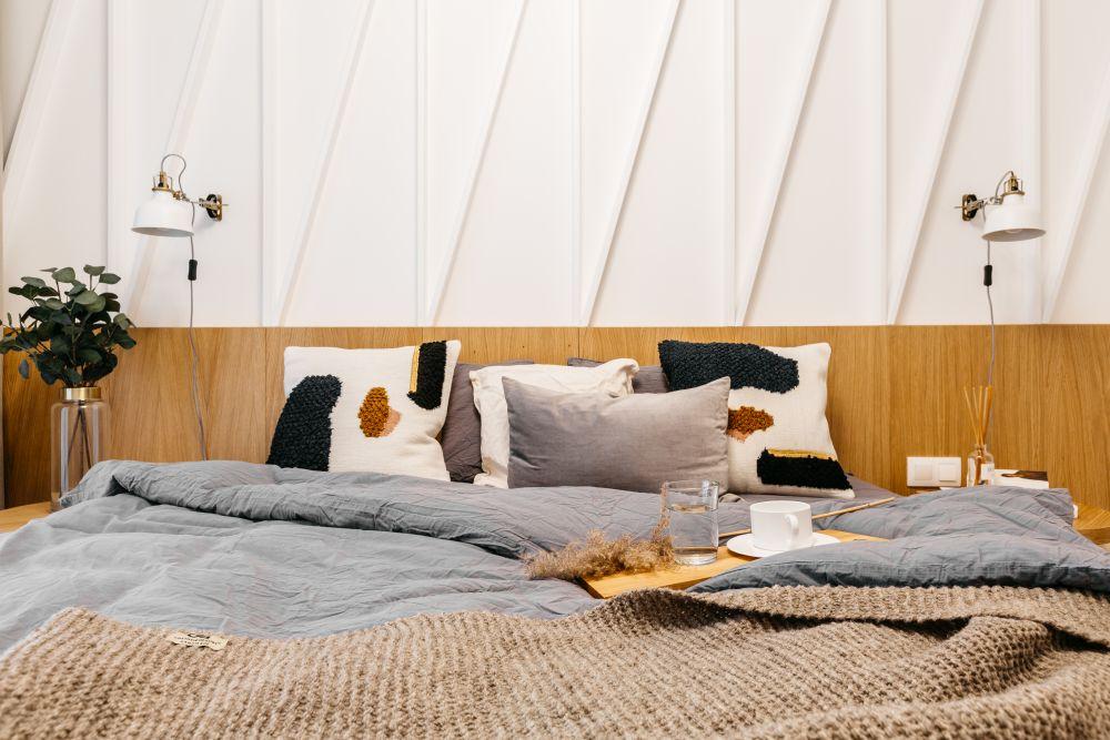 dormitorul cu perete texturat