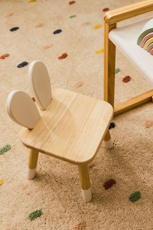 scaun cu urechiuse de iepure