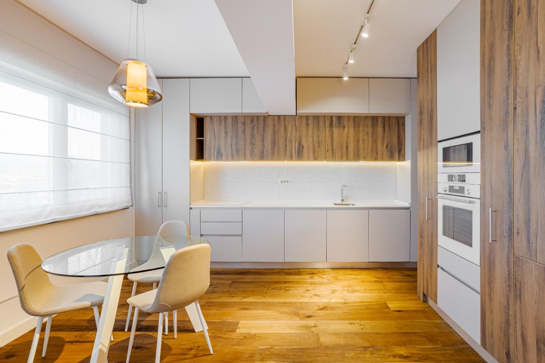 spatii depozitare Apartament modern Ramnicu Valcea - amenajare bucatarie Cristiana Zgripcea (2)