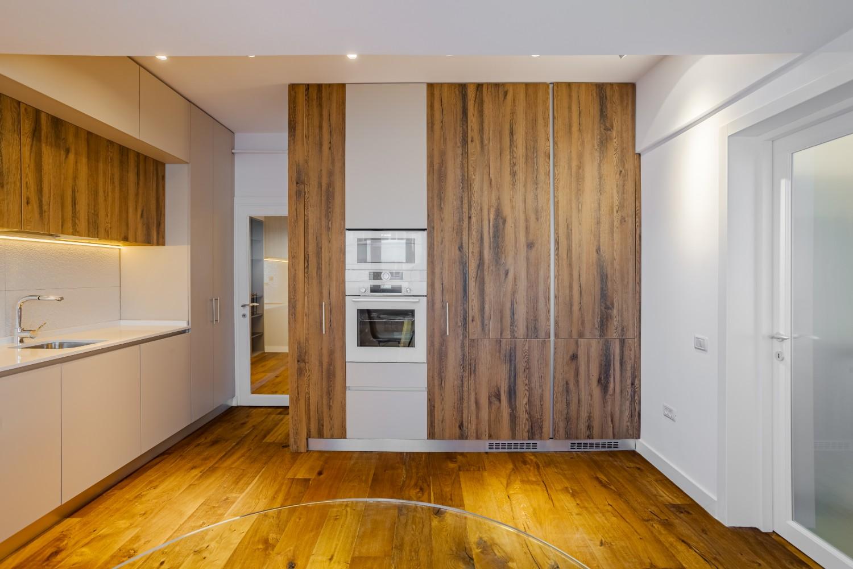 spatii depozitare Apartament modern Ramnicu Valcea - amenajare bucatarie Cristiana Zgripcea (3)