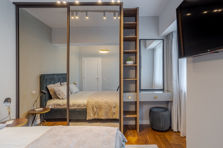 spații depozitare Apartament modern Ramnicu Valcea - amenajare dormitor Cristiana Zgripcea (2)