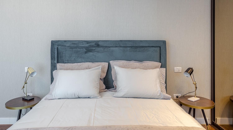 Apartament modern Ramnicu Valcea - amenajare dormitor Cristiana Zgripcea 3