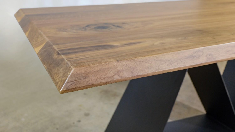 Masa blat lemn nuc Ciprian Manda