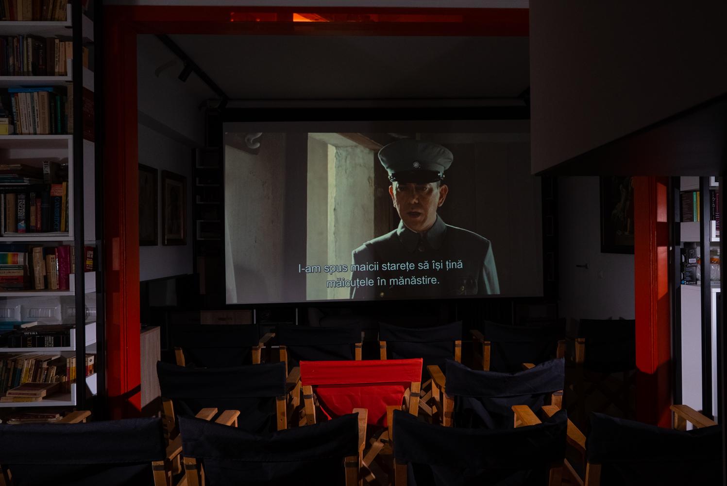 Renovare apartament vechi Universitate - cinema în living