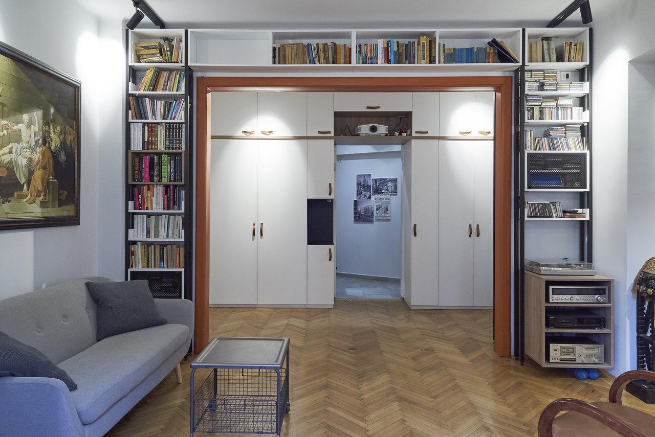 Renovare apartament vechi Universitate - dulap alb