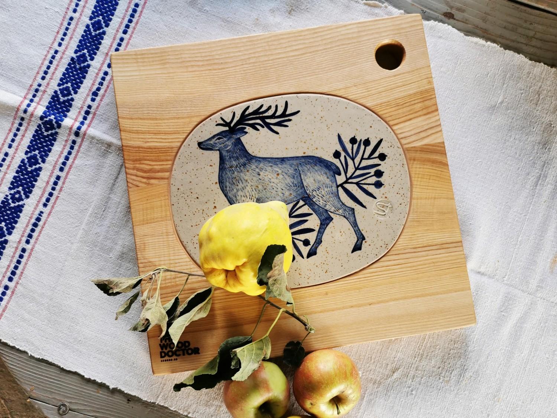 Tocator din lemn de frasin cu inserție ceramică (40x40 cm) - 630 lei