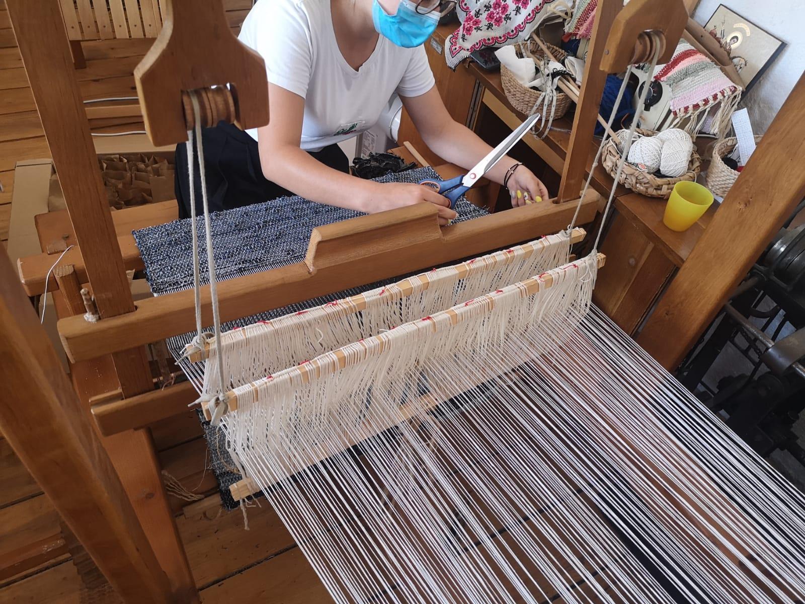 Cum arată procesul de lucru din Satul Meșteșugarilor
