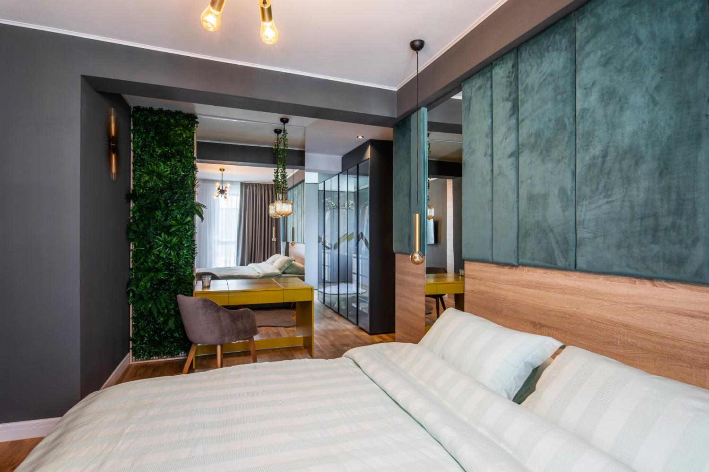 Dormitor matrimonial elegant cu verde - AITO (3)