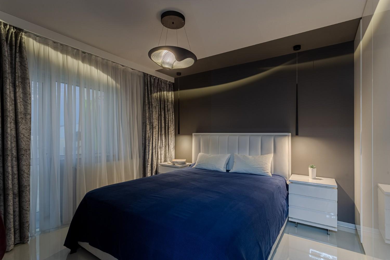 Dormitor pardoseala epoxidica alba - renovare apartament Bucuresti - arhitect Alexandru Bucur Interiology (2)