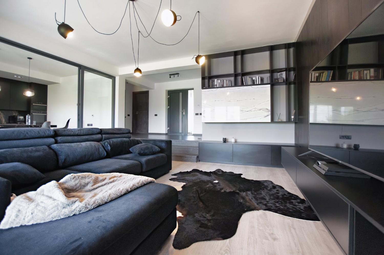 culoarea negru Living culori închise - amenajare casă Iași - decor negru modern (3)