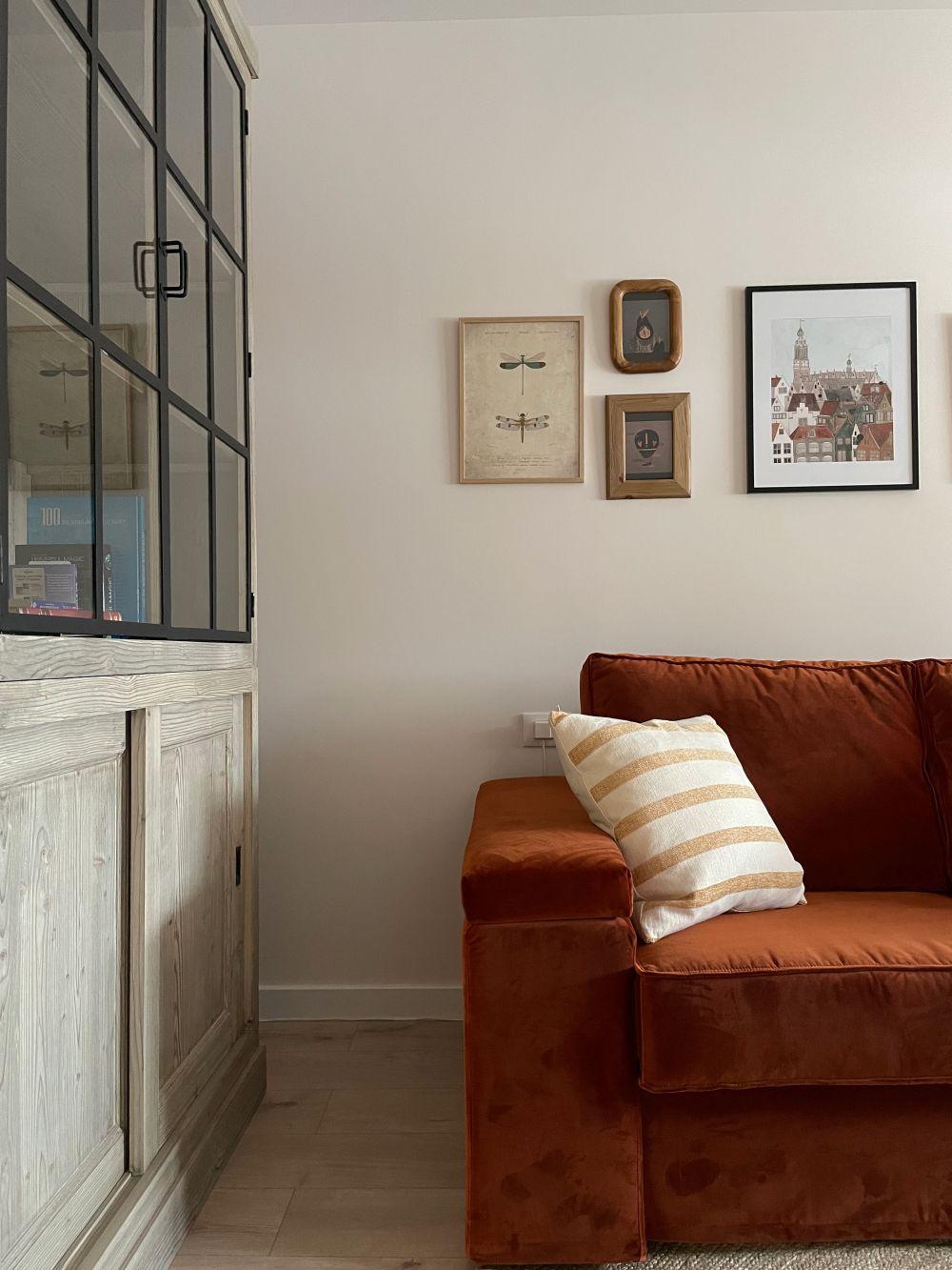 birou vitrina canapea terracotta