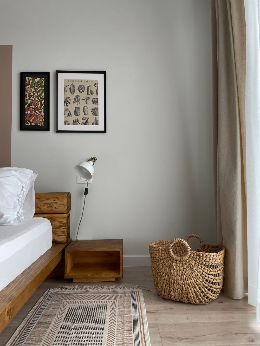dormitor pat din lemn recuperat The Wood Doctor