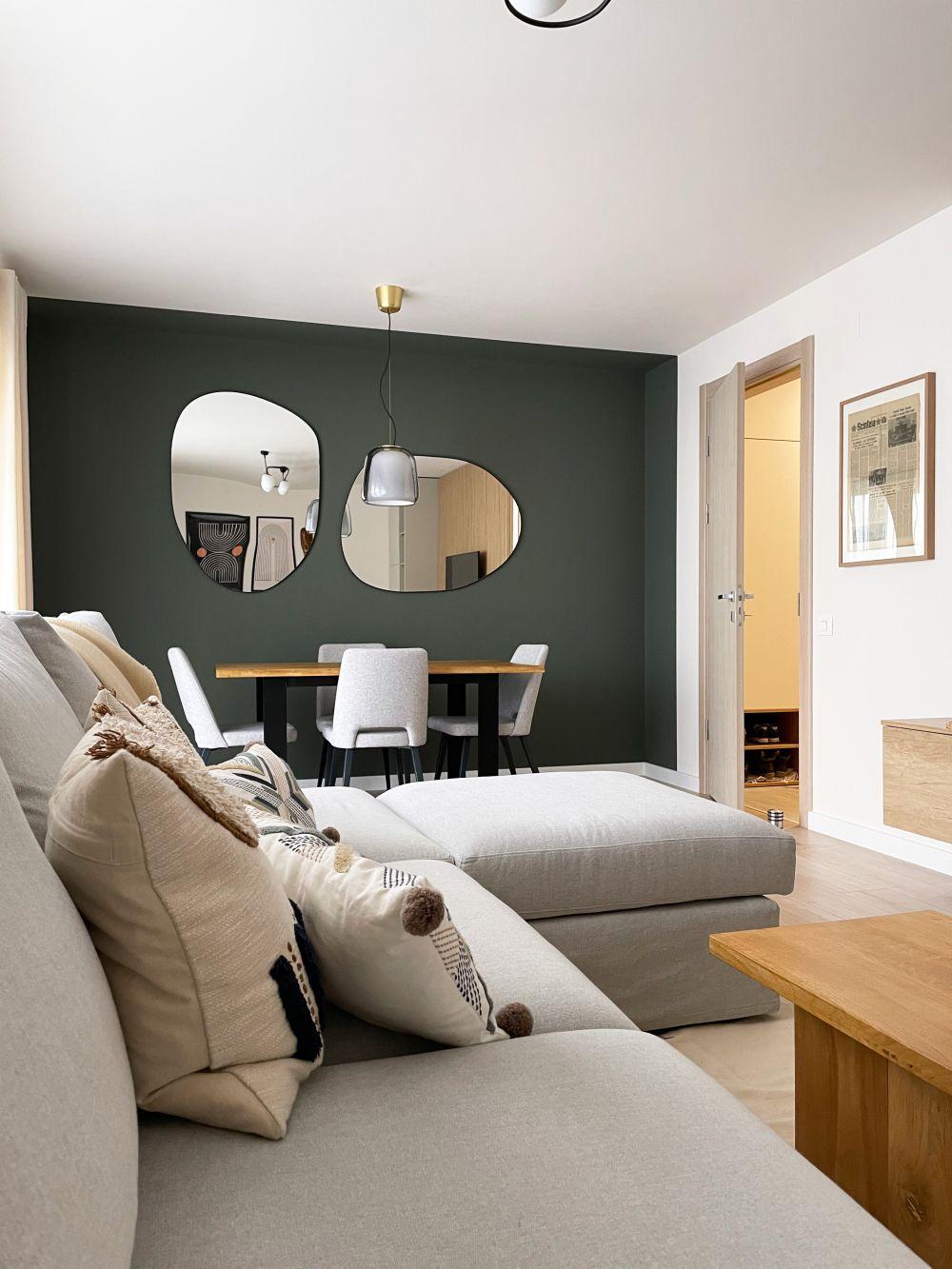 living dining perete verde inchis