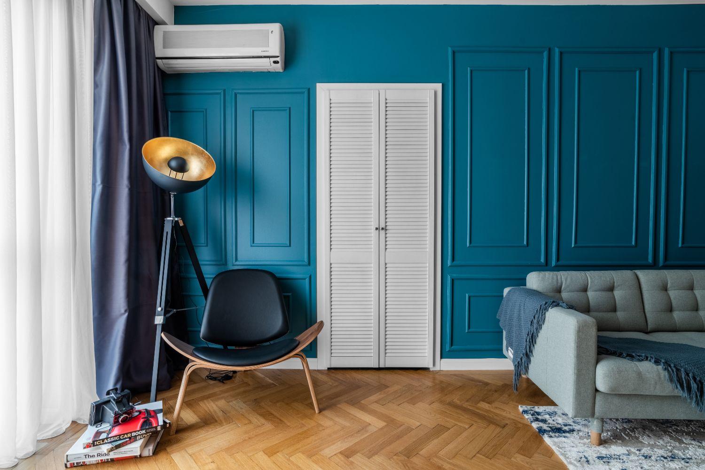 living perete albastru apartament piata romana