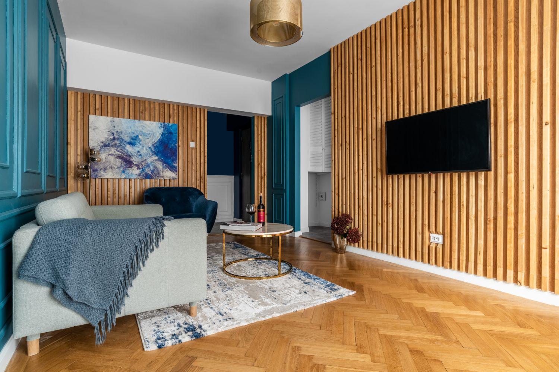 living perete riflaj lemn