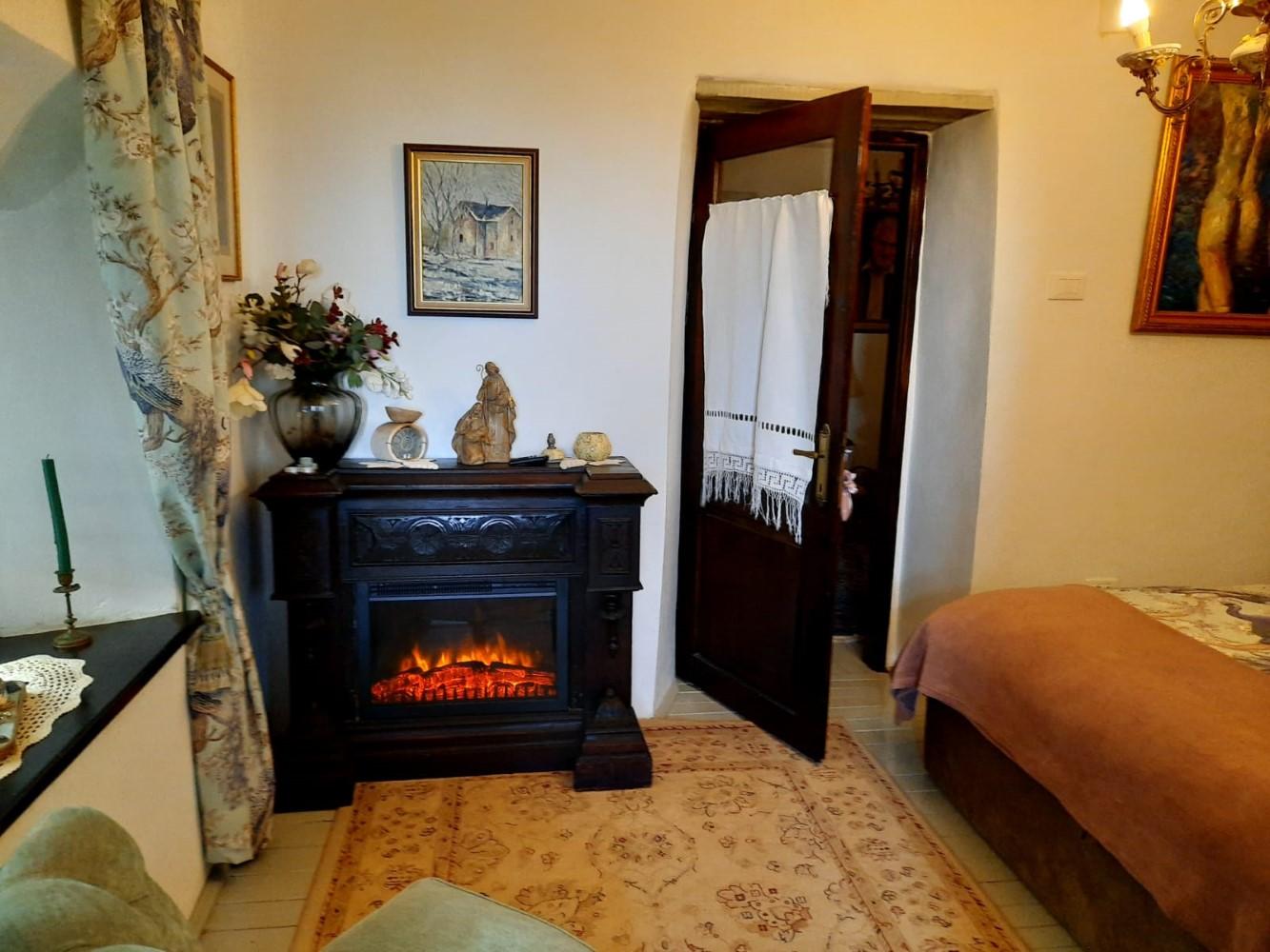 Pentru Sanda și Roberto este o plăcere să facă focul în casă