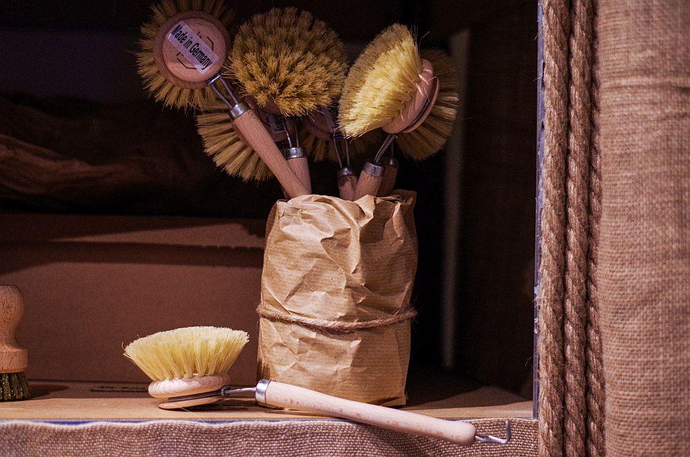 produse de curățenie eco perie vase