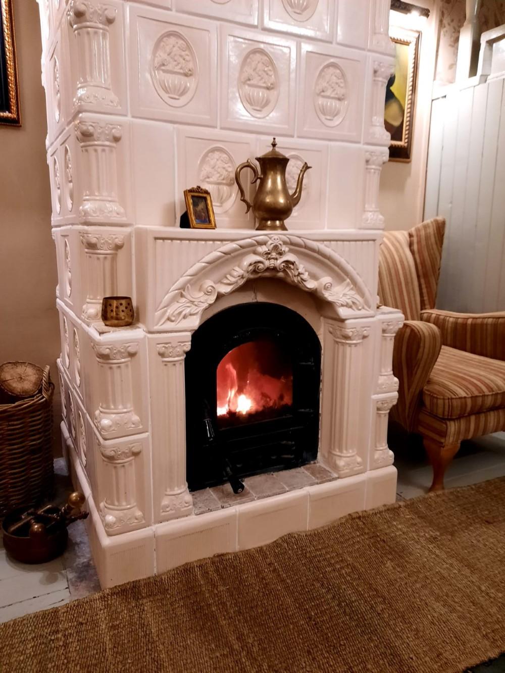 Soba de teracotă ține cald iarna