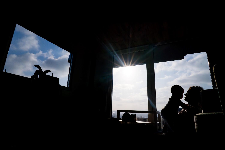 Pentru cei doi tineri, viața în tiny house merită 100%