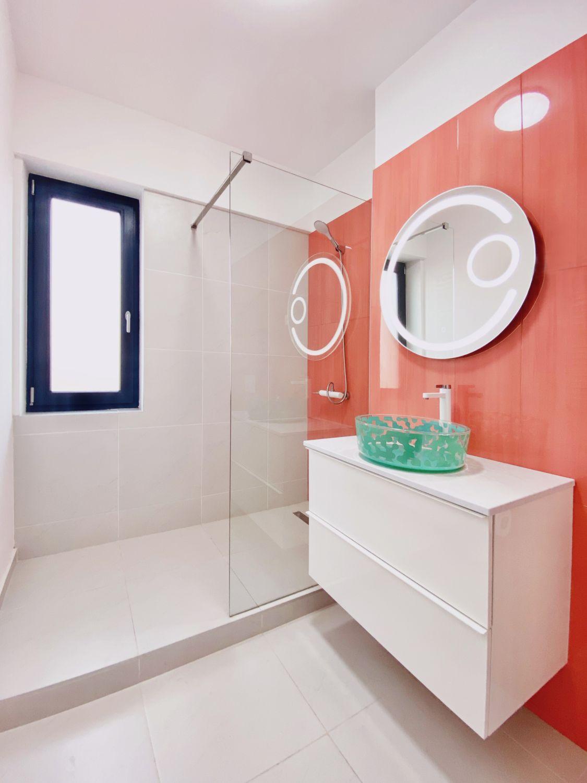 baie rosu corai bubble house apartament doua camere bucuresti