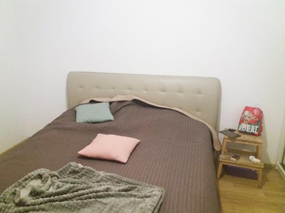 dormitor inainte de renovare