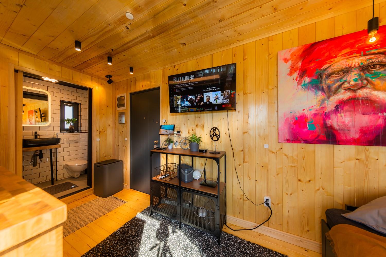 tiny house romania Interior Premium Hub - căsuța construită de Matei