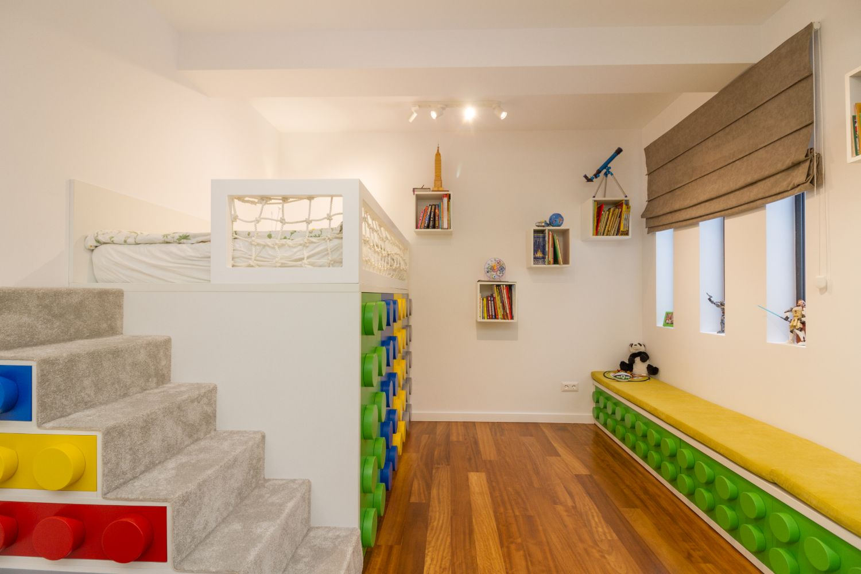 Amenajare camera baiat tematica Lego_Miso Architects (3)