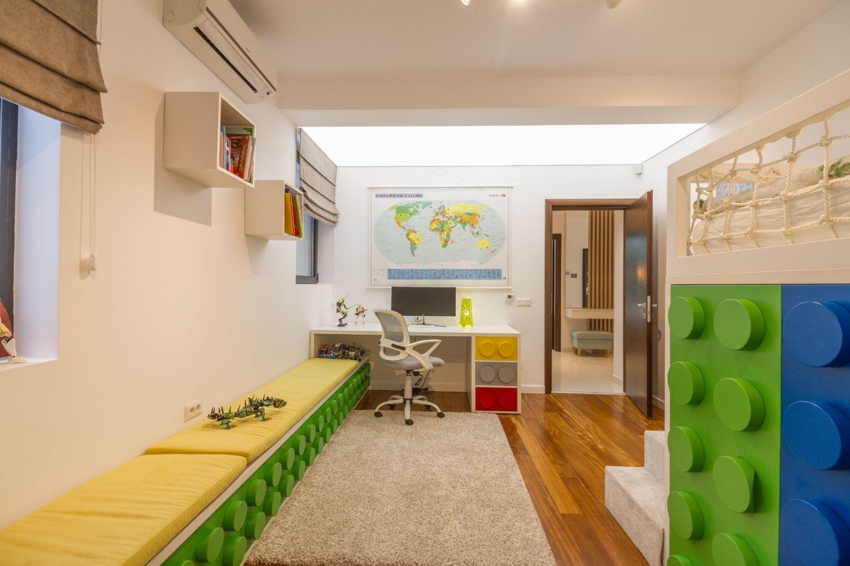 Amenajare camera baiat tematica Lego_Miso Architects (5)