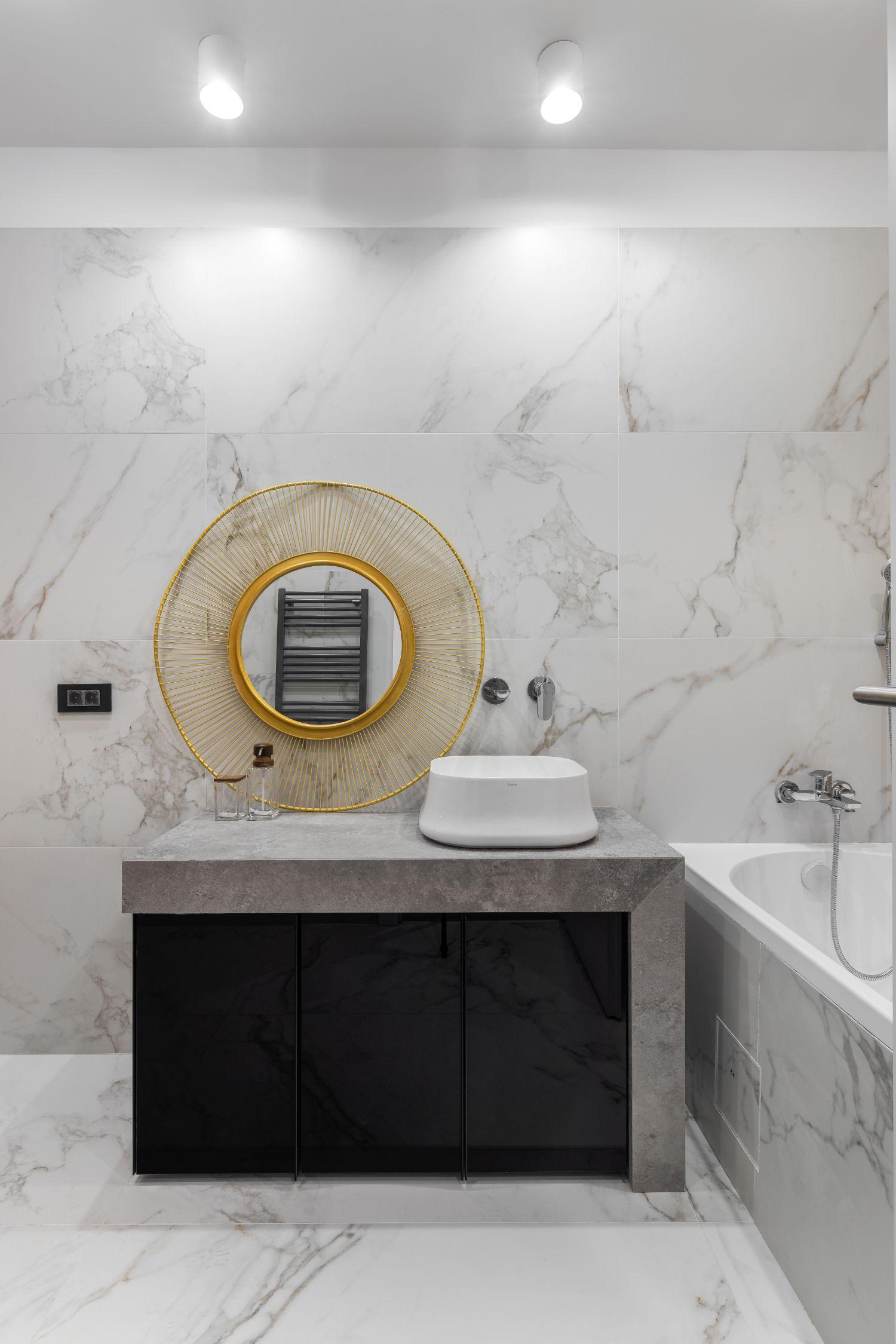 Baie marmura - design interior Pure Mess Design