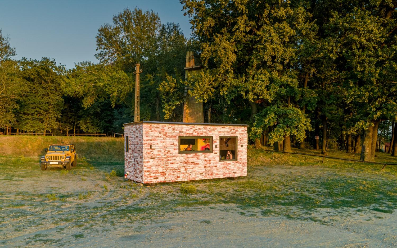 Tiny house România construit de la zero de Matei și echipa lui
