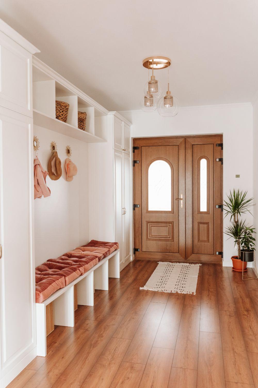 casa pe un nivel hol amenajare_stil_clasic