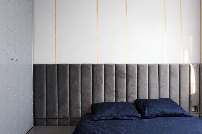 dormitor tablie pe tot peretele