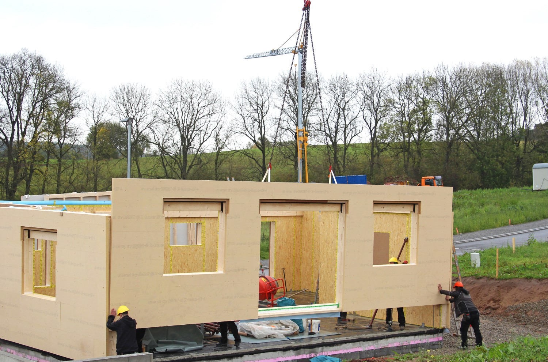 Casa poate fi asamblată pe loc, în trei sau patru zile, în orice moment al anului