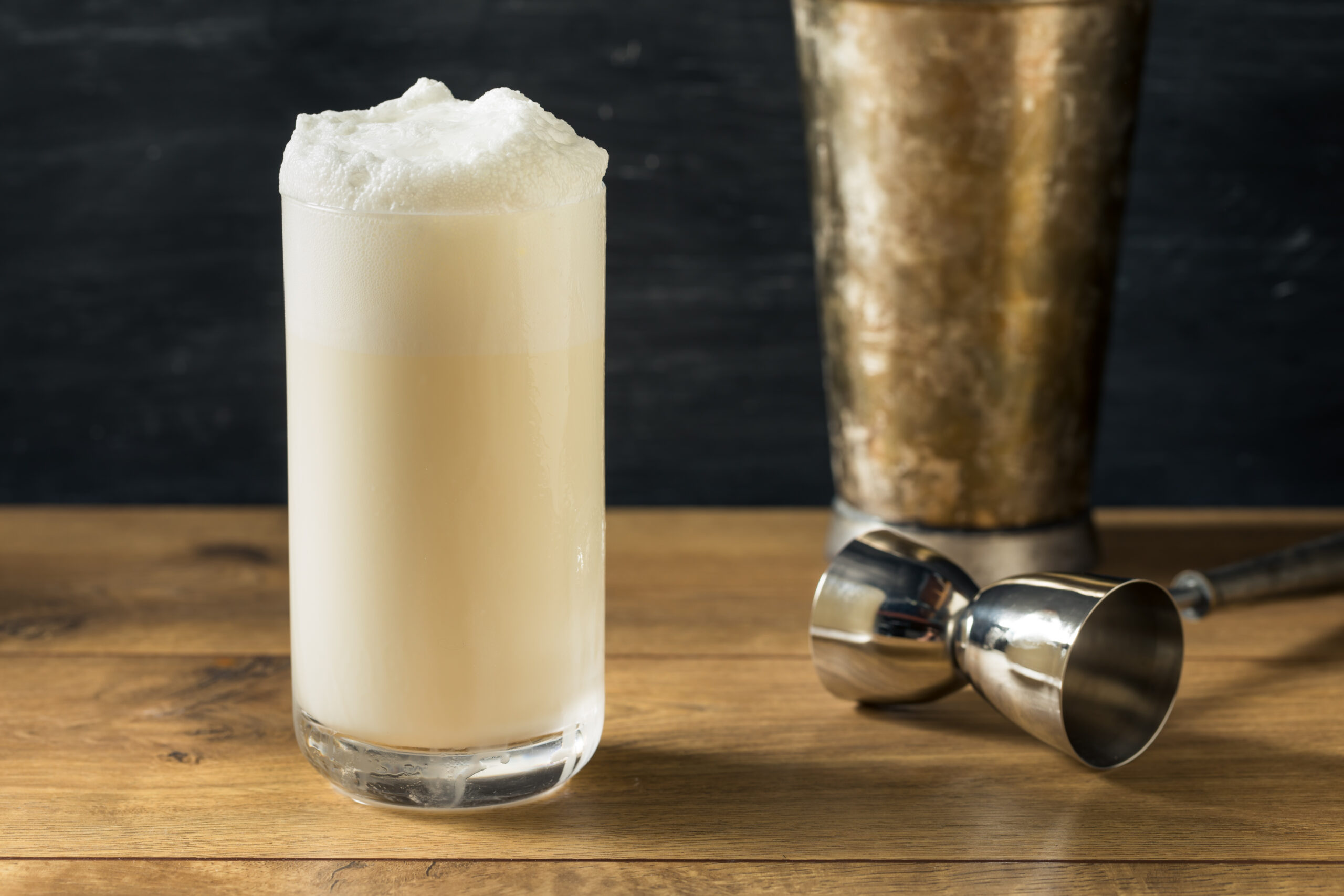 ramos gin fizz retete cocktail