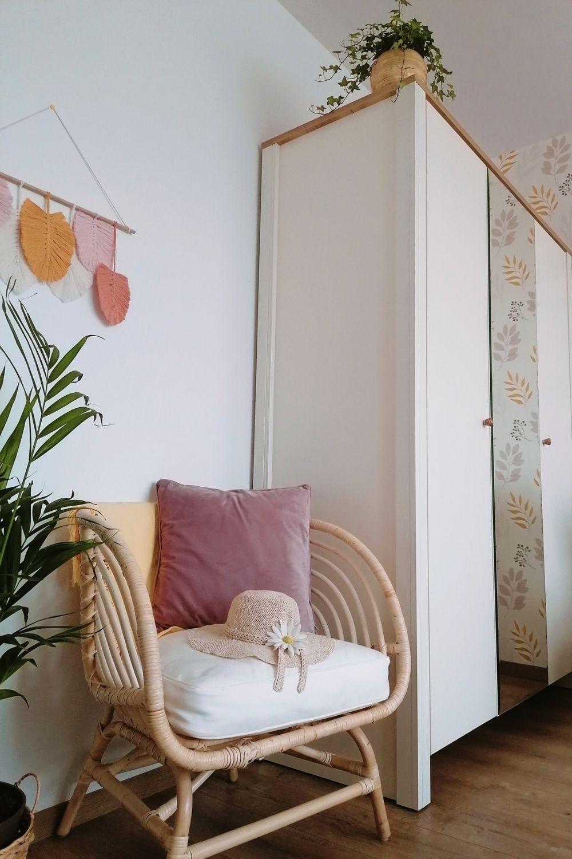 scaun ratan dormitor oaspeti