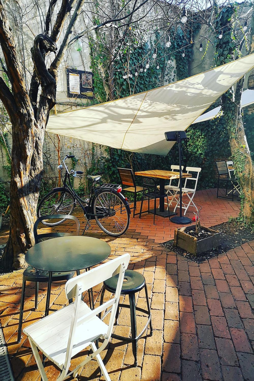Proprietarele Simbio au construit o oază în centrul orașului