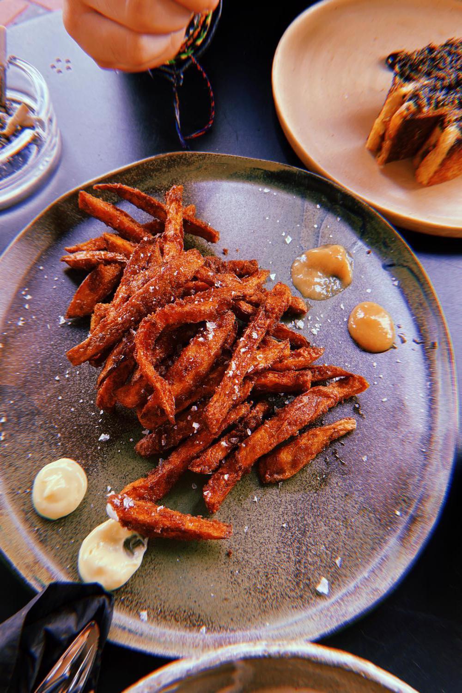 Bucătăria Forager explorează ingrediente locale mai mult sau mai puțin obișnuite