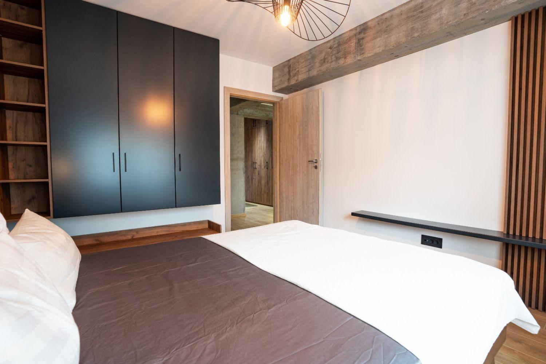 amenajare stil industrial dormitor pitesti