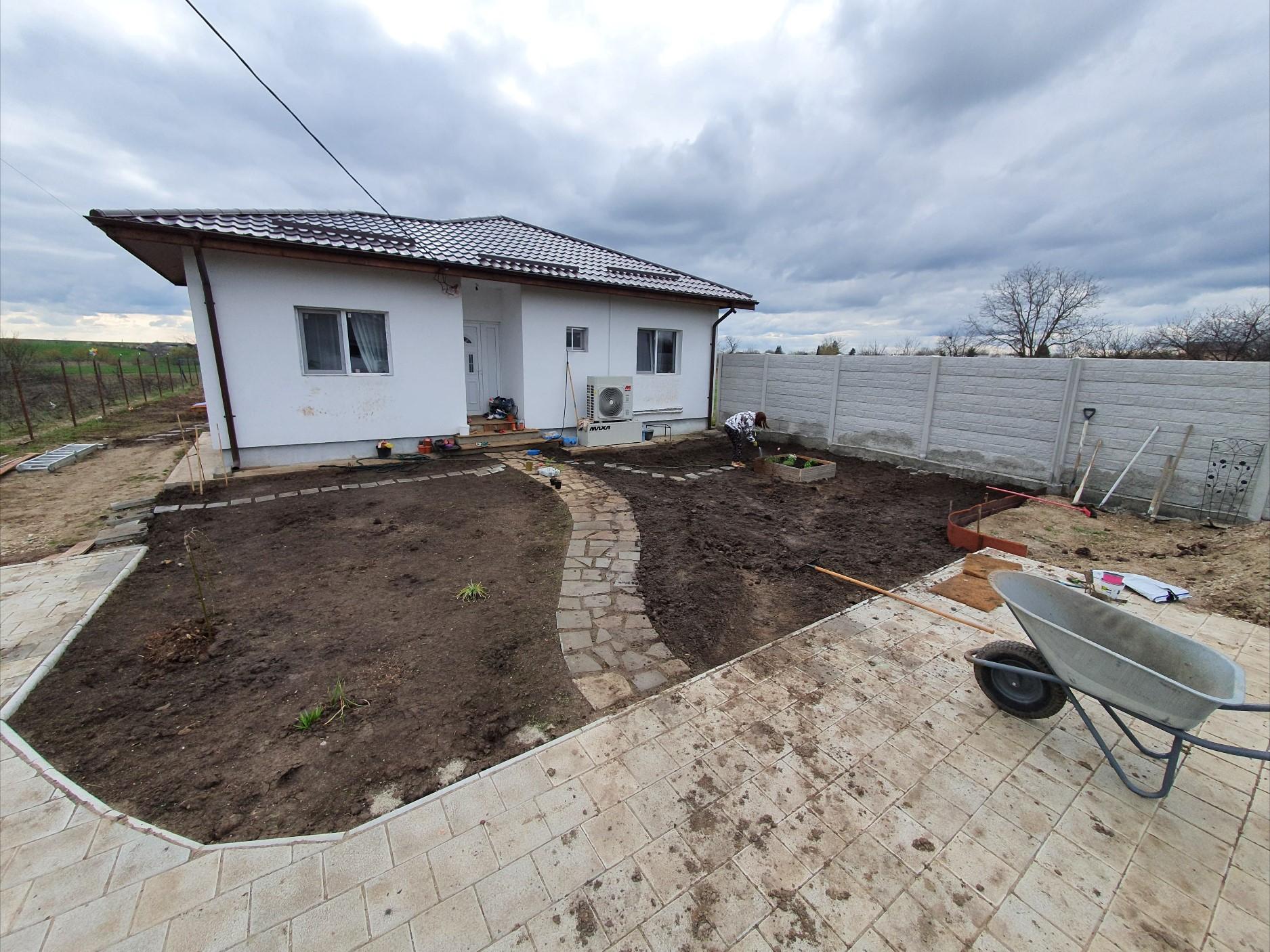 Casa de 52.000 de euro cumpărată la gri de cei doi tineri