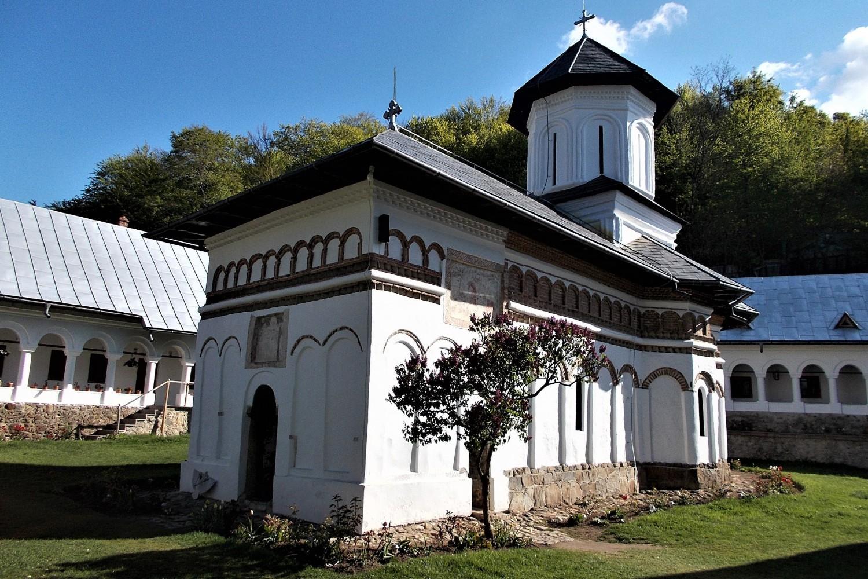 stilul brâncovenesc - biserica Schitului Crasna-Gor