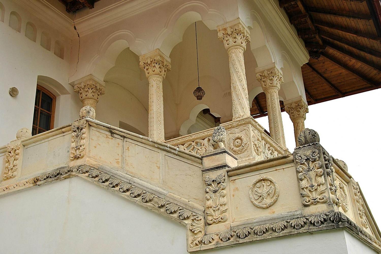stilul brâncovenesc - manastirea brancoveanu sambata de sus