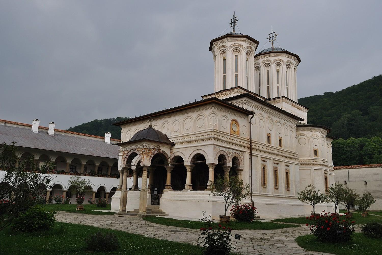 stilul brâncovenesc - manastirea horezu3