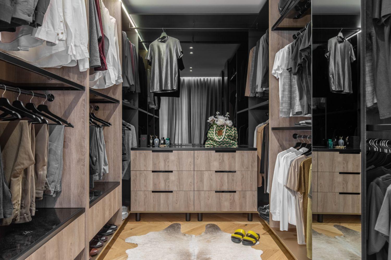 Amenajare vila duplex Otopeni stil eclectic - Sergiu Califar - Pure Mess Design - dressing walk in (1)