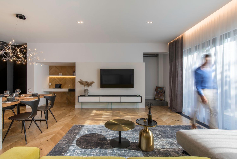 Amenajare vila duplex Otopeni stil eclectic - Sergiu Califar - Pure Mess Design - living canapea galben gri Ditre Italia (4)