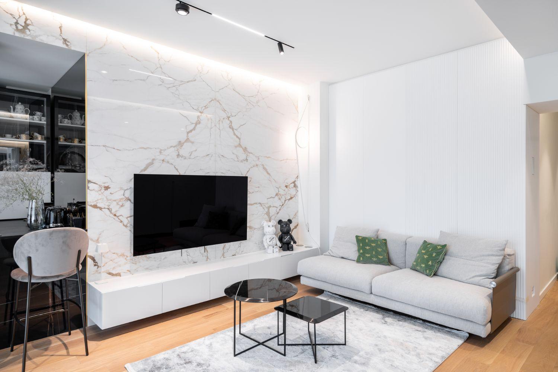 Apartament elegant amenajare Sami Bumbu Bucuresti - open space stil modern - lastre marmura