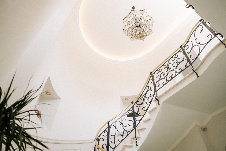 hol tavan candelabru stil neoclasic