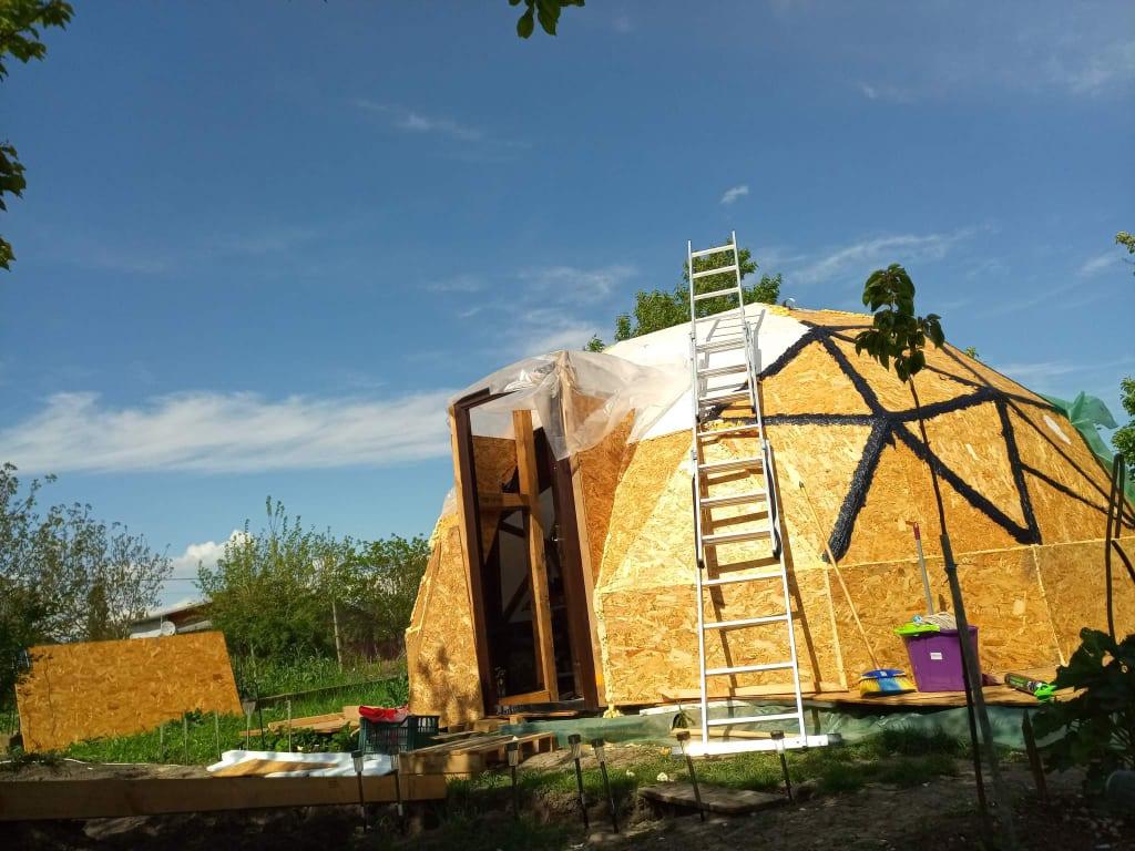 dom geodezic tiny house