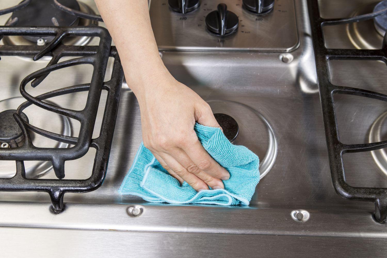curățare suprafețe inox